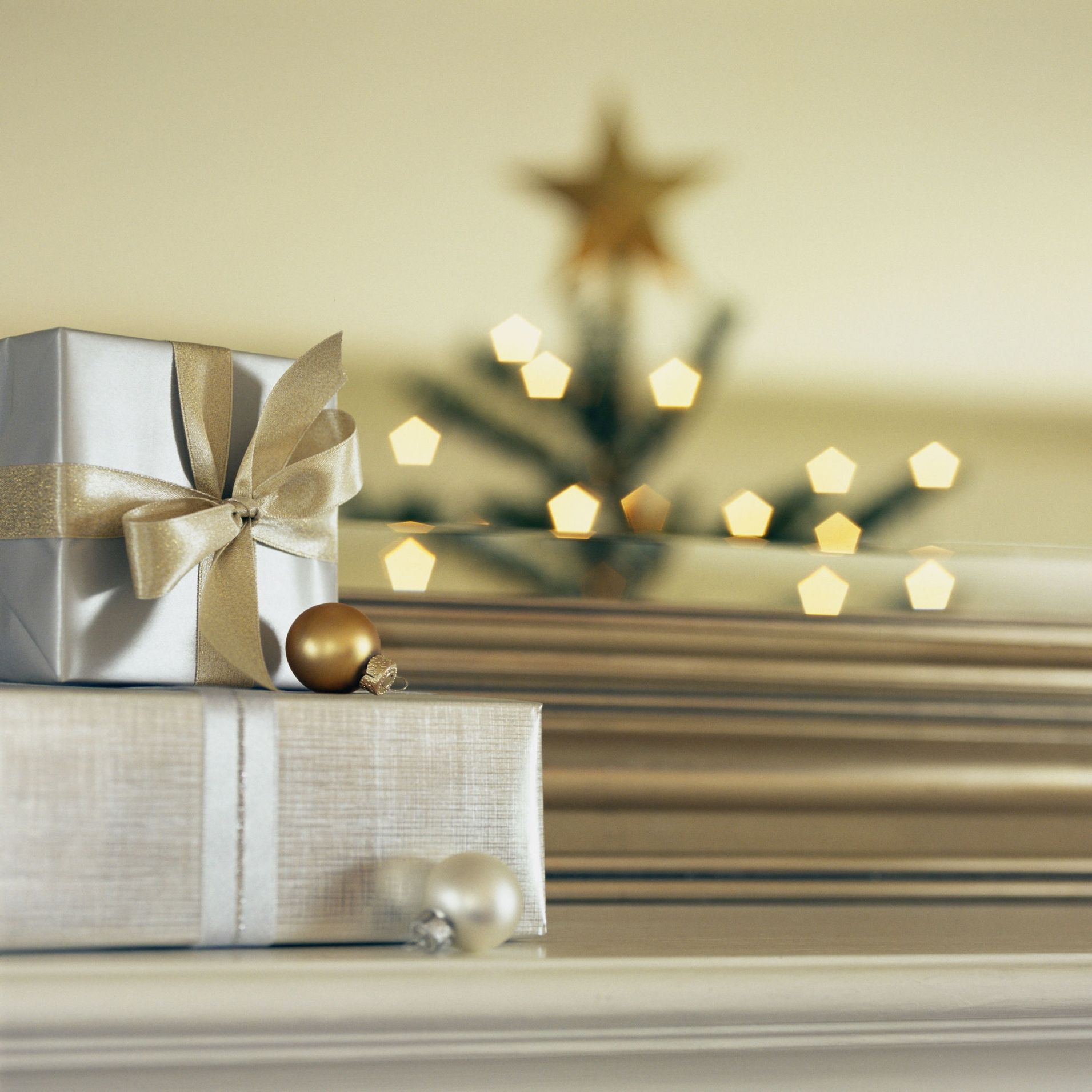 Christmas Decoration tip: Using wallpaper as Christmas gift wrappers.